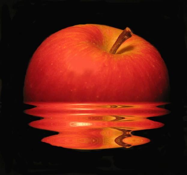 jablko-623x584